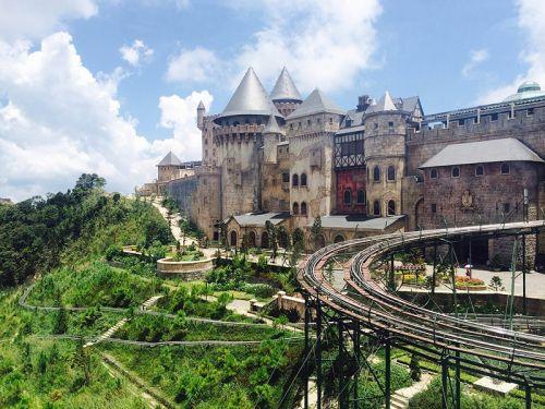 巴拿山上的法式城堡