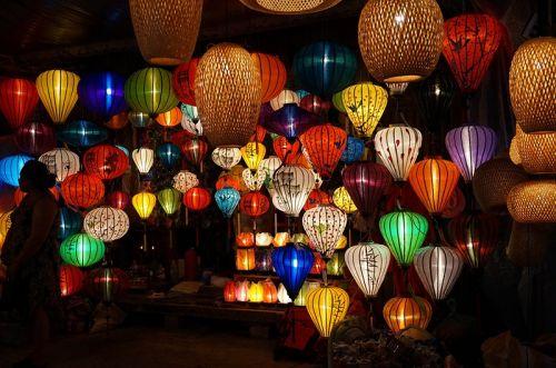 会安古城的五彩灯笼