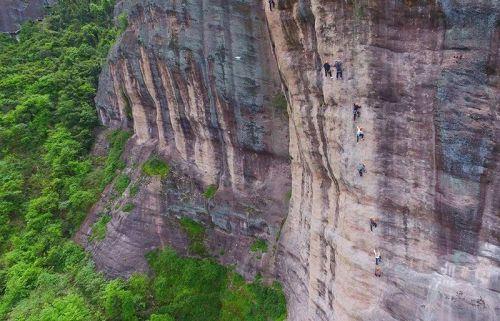 石牛寨攀岩运动