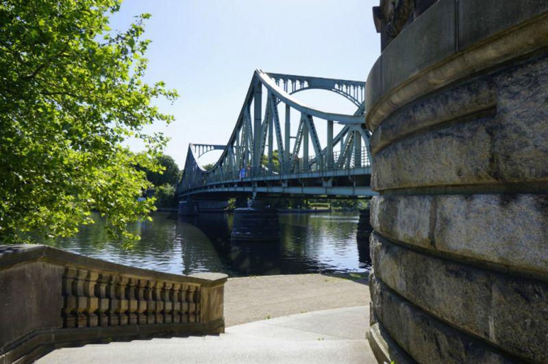 波斯坦格林尼克铁桥