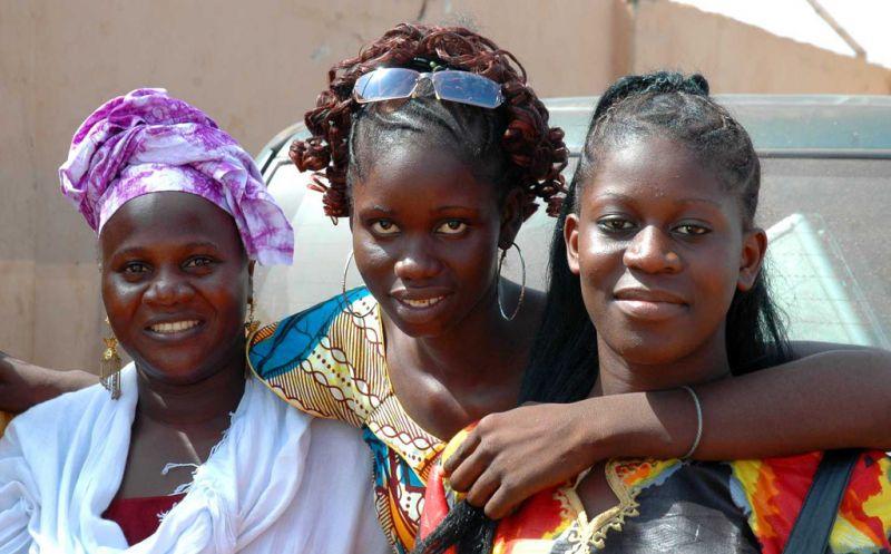 冈比亚姑娘们