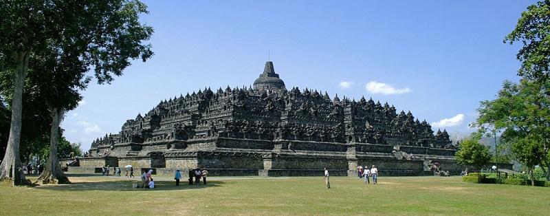 东方的金字塔-婆罗浮屠