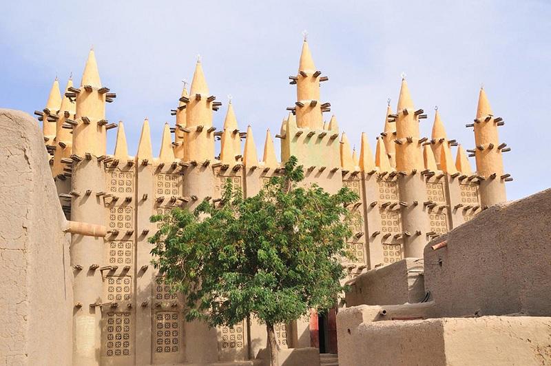 美丽的黏土清真寺