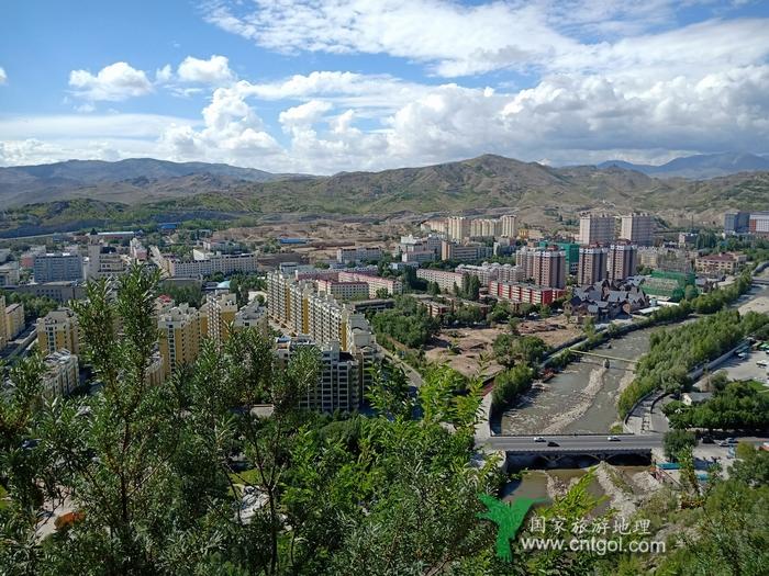 《在阿勒泰市聆听城市建设的足音》金山银水阿勒泰