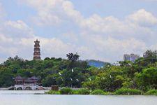 """惠杭两苏堤,一花两世界:苏东坡的""""两个西湖"""""""