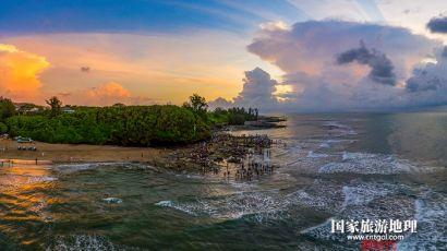 台风季的广西北海涠洲岛五彩滩景色迷人