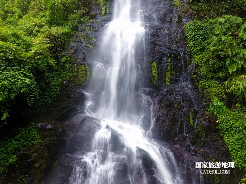 2020年9月10日,拍摄的贵州省黔东南苗族侗族自治州从江县庆云镇丹阳瀑布景色。5(龙梦前摄)