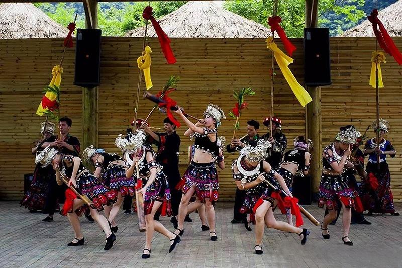 民族风情舞蹈