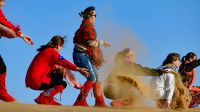内蒙古阿拉善:减免景区门票 金秋大漠旅游旺