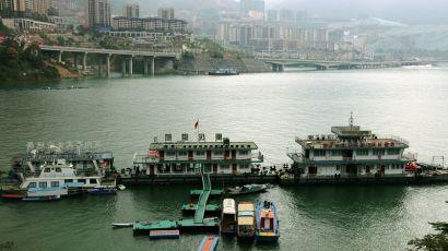 三峡库区蓄水逼近175米 巫山港航海事全力保安畅(图)