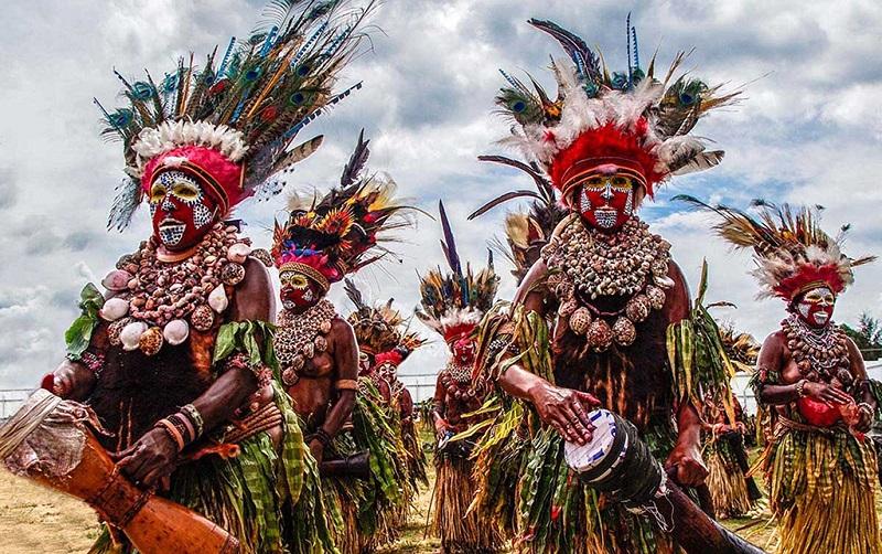 巴布亚新几内亚人的服饰打扮