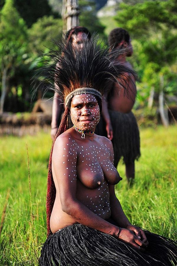巴布亚新几内亚土著女人