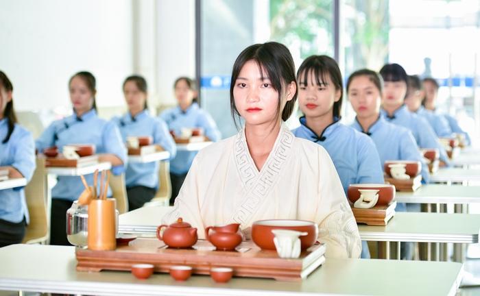 10、2020年11月18日,在广西梧州商贸学校六堡茶艺文化展示。