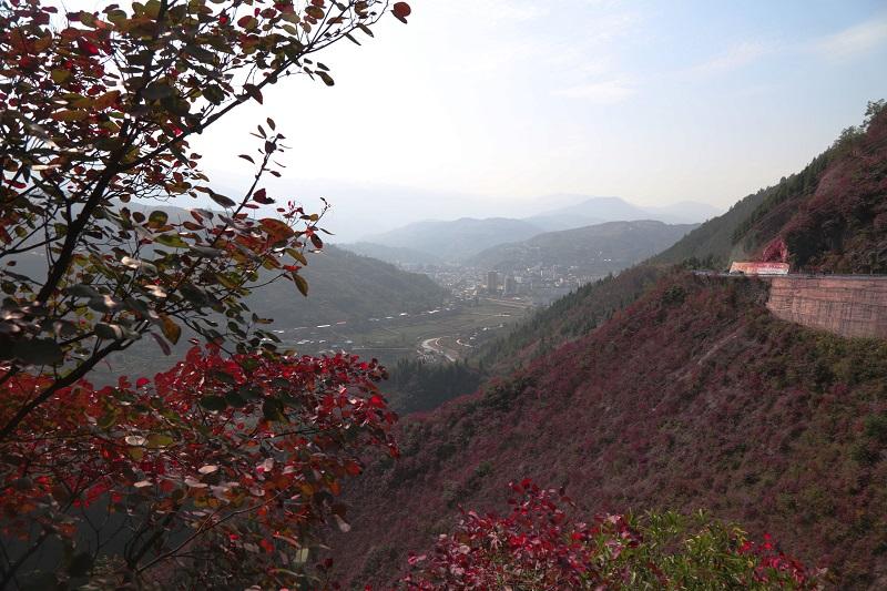 图10:彩霞映红河   唐探峰摄