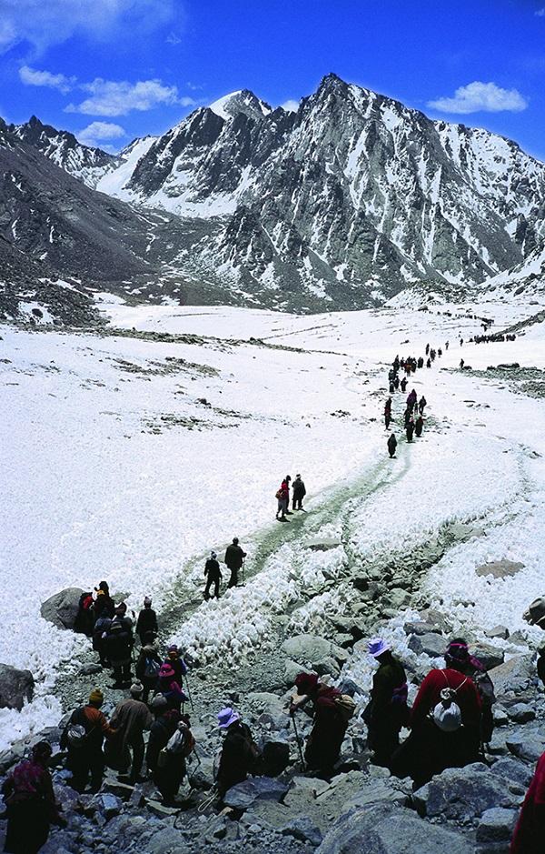 藏民转山者在途中