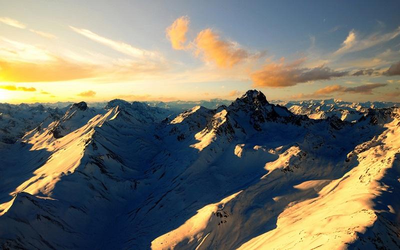 阿尔卑斯山夕照