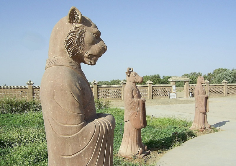 阿斯塔纳古墓群
