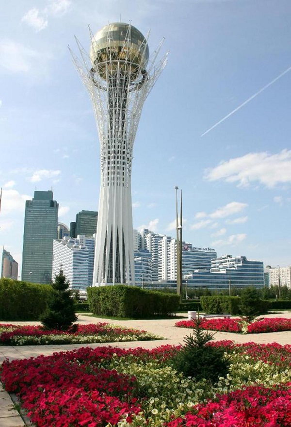 哈萨克斯坦生命之树即巴依杰列克塔