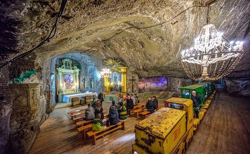 克拉科夫维利奇卡盐矿内有四十多座教堂
