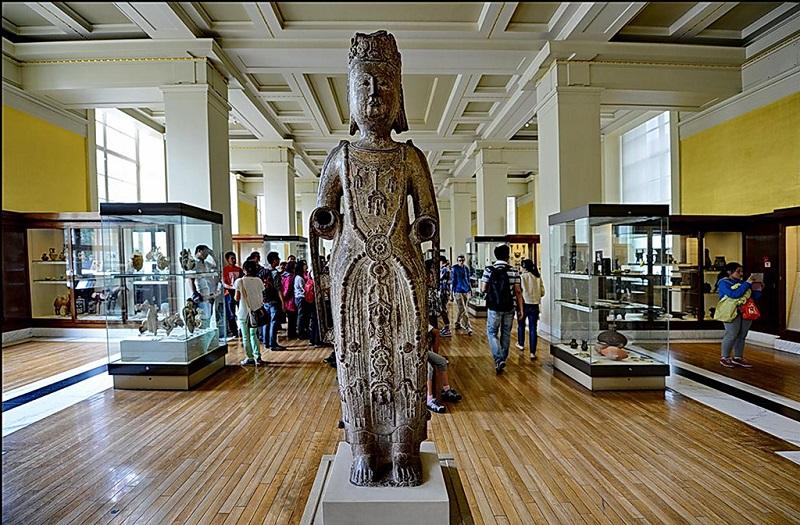 大英博物馆的中国馆大厅内