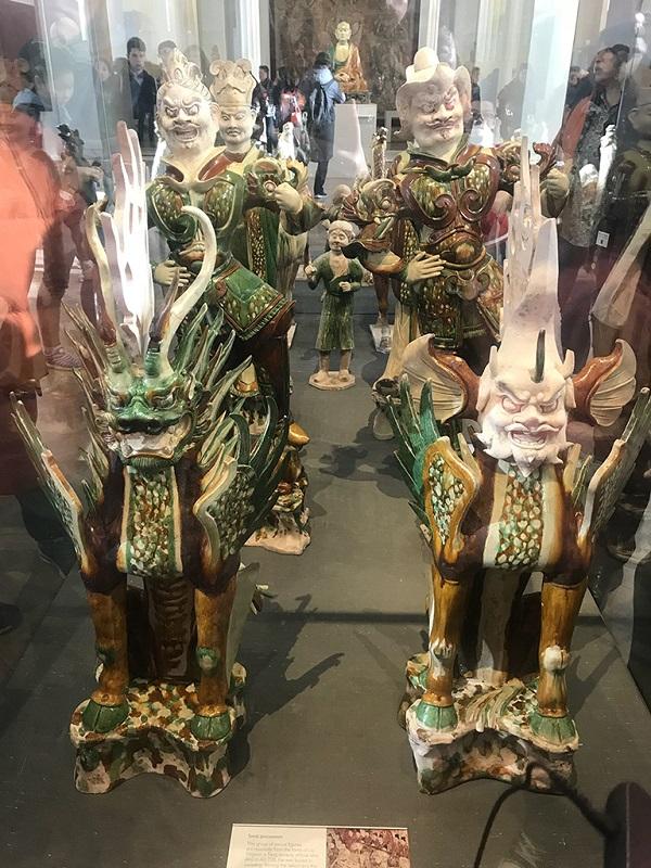 唐三彩雕塑艺术品