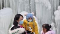甘肃省积石山保安族东乡族撒拉族自治县大墩峡景区出现冰瀑景观