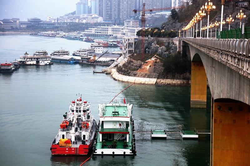 图2:消防码头与巫山港区客货码头联姻    唐探峰摄