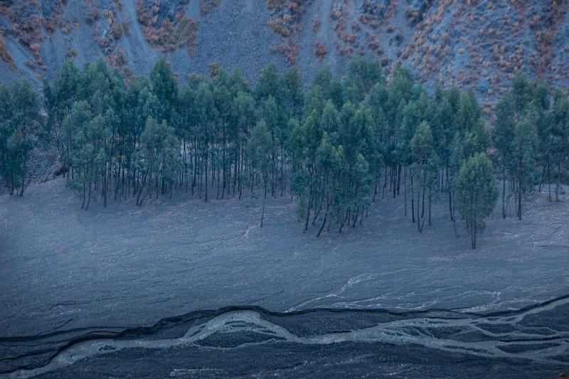 外星地貌凹黑村 (8)