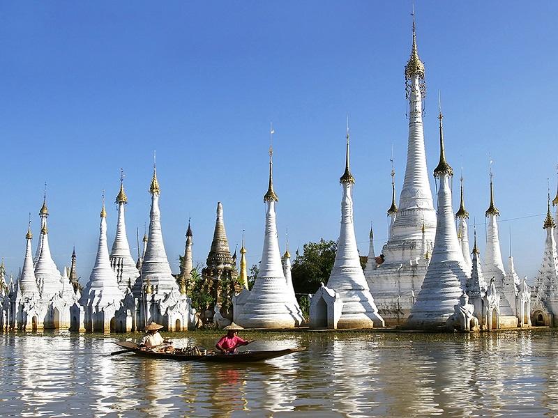 缅甸白色塔林