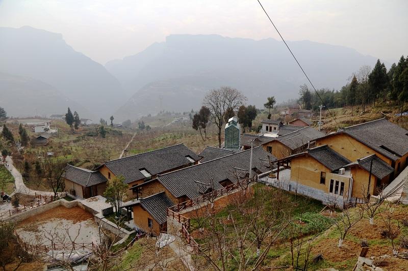 图11:巫山曲尺权发村三峡李院建在李园中   唐探峰摄