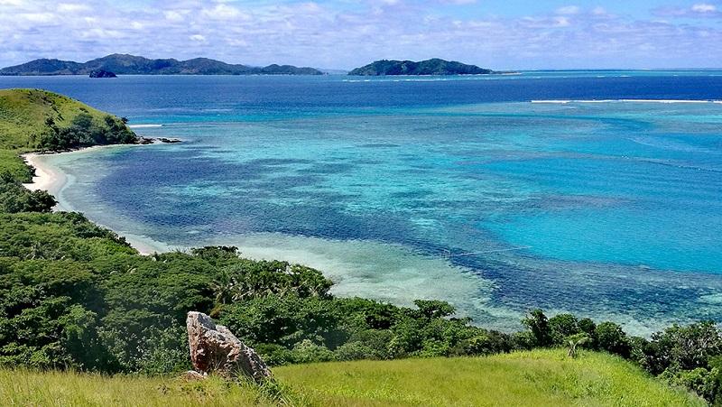 斐济玛那岛上看海景