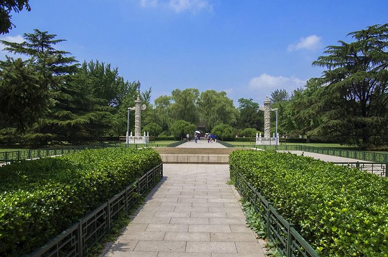 北京大学内的华表