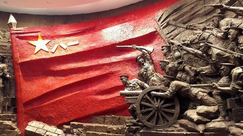 八一军旗与南昌起义群雕