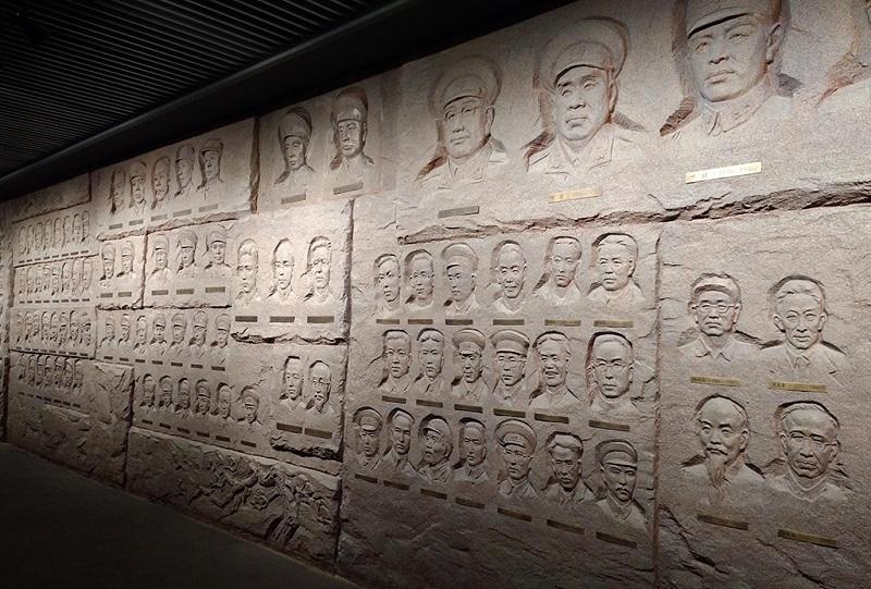 南昌八一起义纪念馆内的英雄浮雕墙