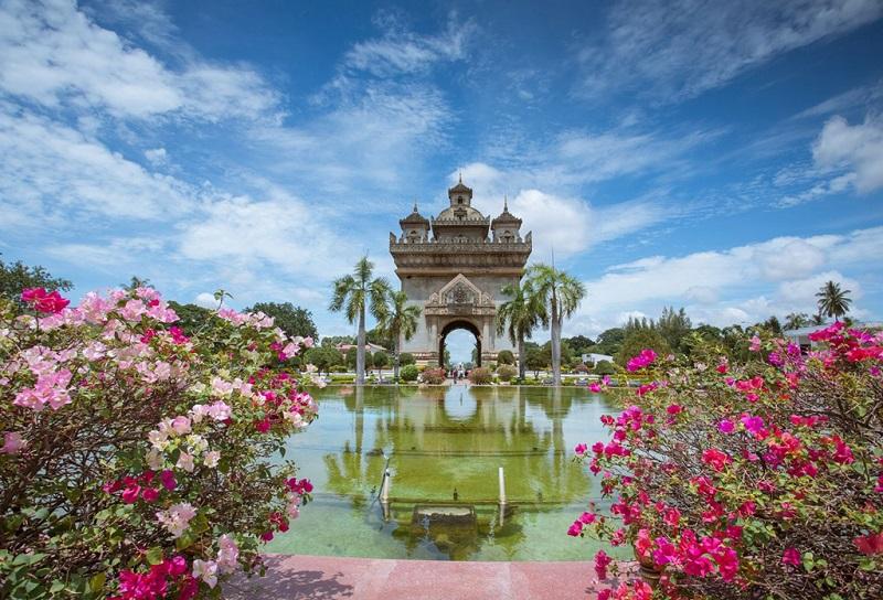 老挝万象凯旋门