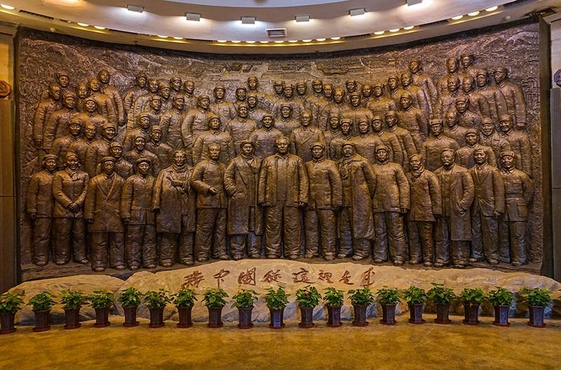 西柏坡纪念馆内的大型人物浮雕