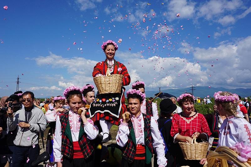保加利亚浓郁花香玫瑰节