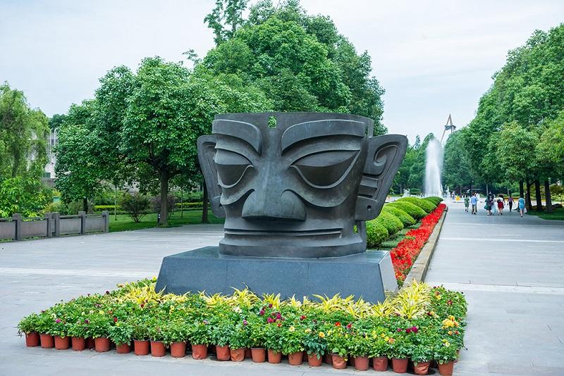 三星堆博物馆广场雕塑
