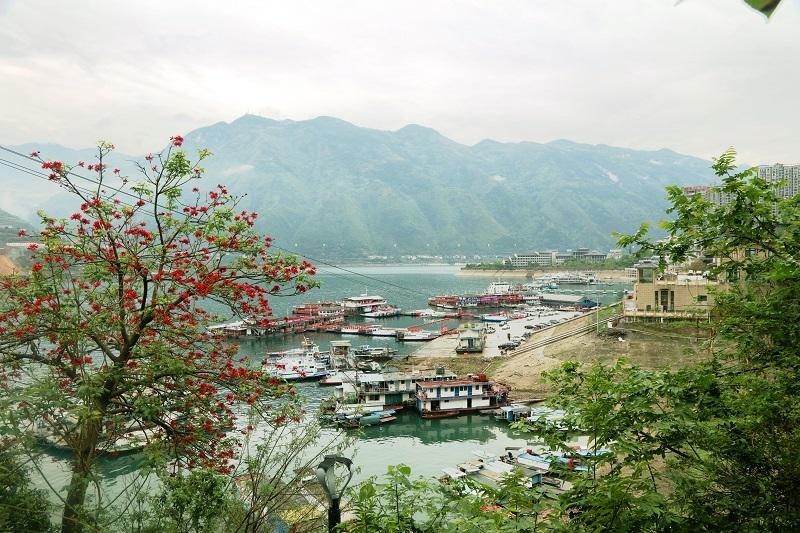 图1:巫山高峡平湖美丽港区一隅。唐探峰摄