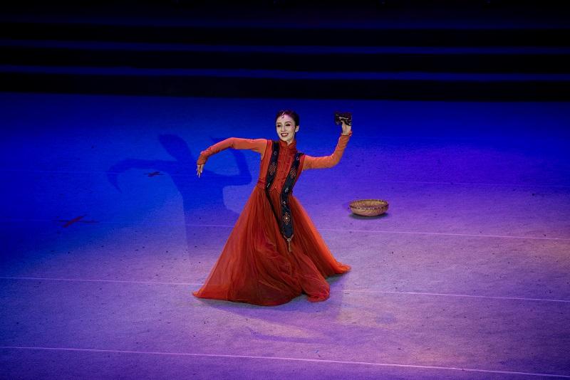 """2021年6月21日,""""永远跟党走""""广西梧州市庆祝中国共产党成立100周年文艺晚会在该市文化中心举行。图为独舞《骑兵》5"""