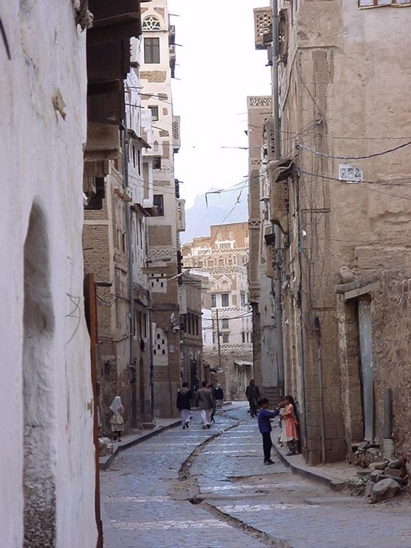 萨那古城小巷
