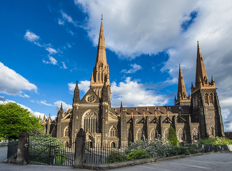 墨尔本圣巴特利爵主教座堂