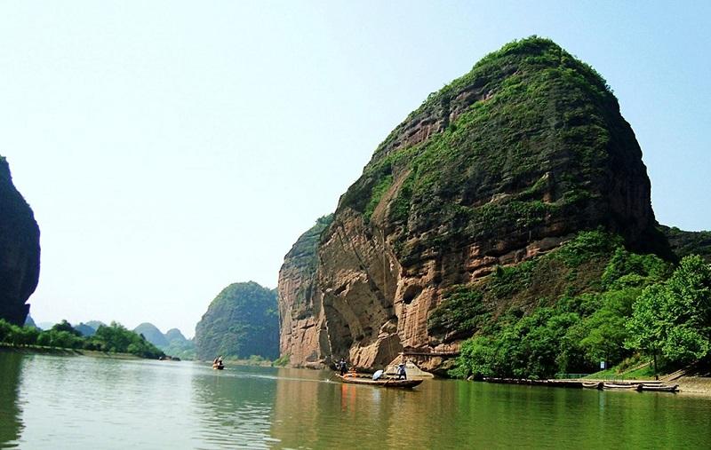 龙虎山景区芦溪河风光