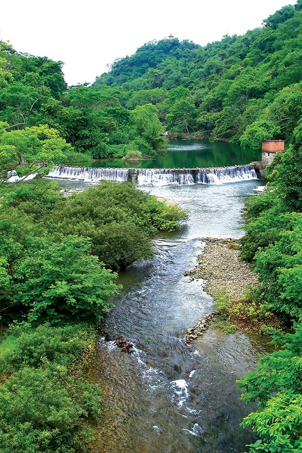 龙虎山瀑布美景