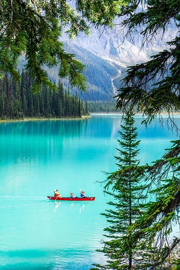 落基山湖上泛舟