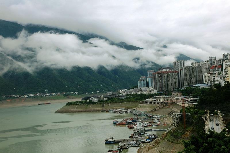 图3:云腾山水之城。唐探峰摄于巫山县城。