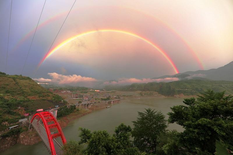 图9:双虹恋在建新区。唐探峰摄于巫山县城在建新区。