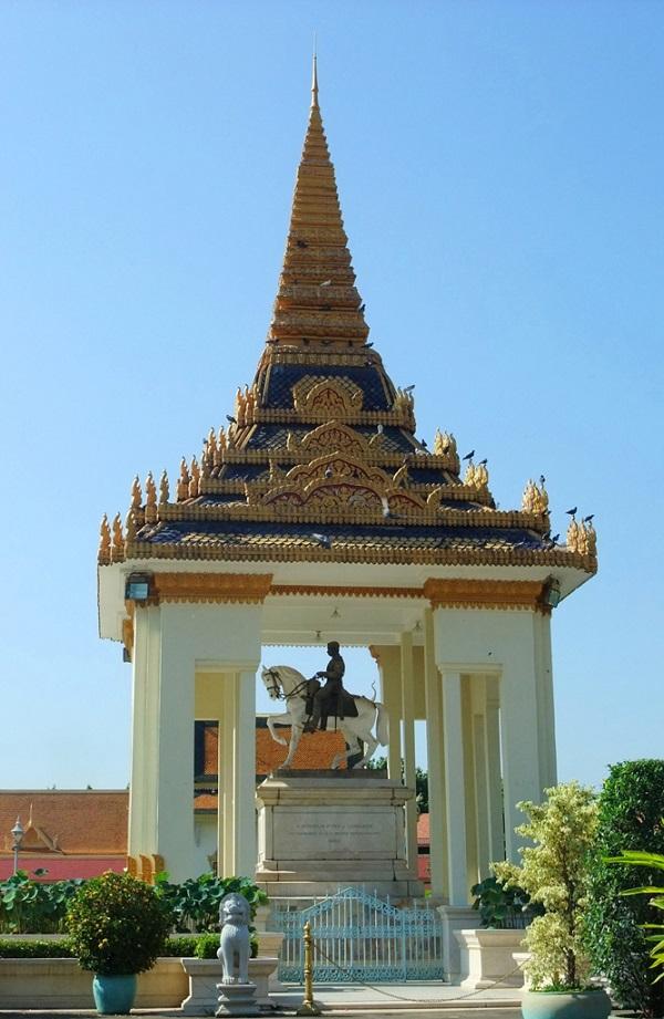 王宫中的纪念亭