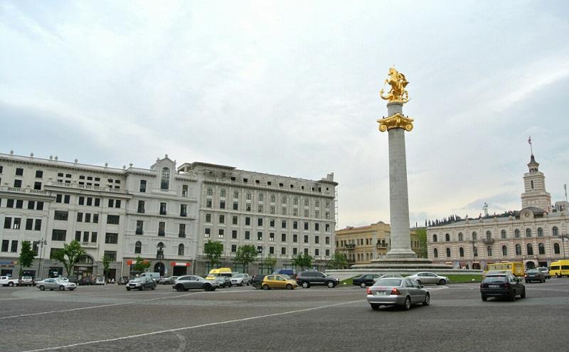 第比利斯广场纪念柱