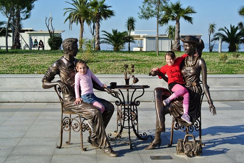 雕塑与孩子